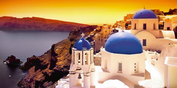 Santorini - trendikas, romantiline, sini-valge!
