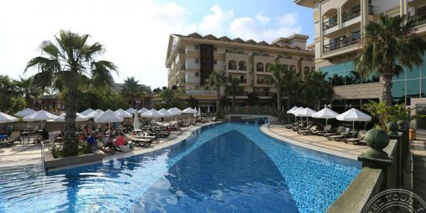 Crystal Palace Luxury Resort & Spa