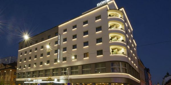 Hotell Best Western Premier Slon, delux tuba (hommikusöök)