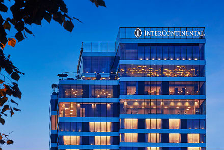 Hotell Intercontinental (hommikusöögiga)