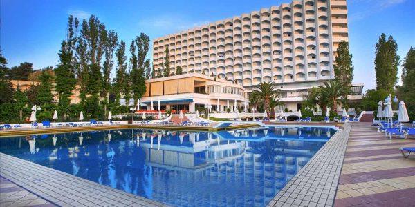 Hotell Bomo Pallini Beach 4*, 11.06.2019, hommiku- ja õhtusöögiga