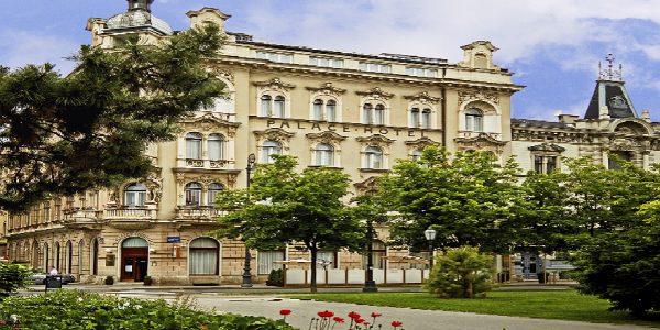 Hotell Palace 4*, comfort tuba hommikusöök