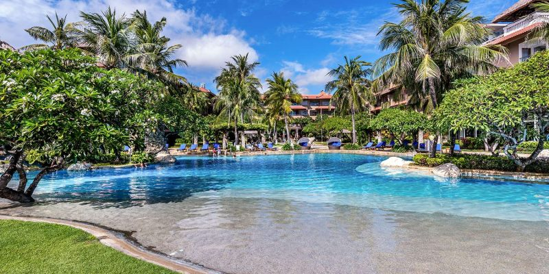 INDNIKKOBA_TANJ-TOP-Swimming-Pool_Hotel-Nikko-Bali–1-