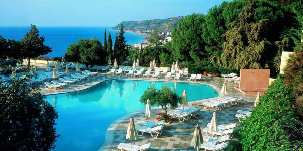 Rhodes Bay Resort & Spa