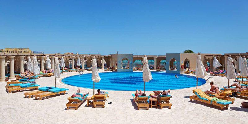 EGTHREECOR_ELGO-TOP-Ocean-View-Le-Soleil-Pool